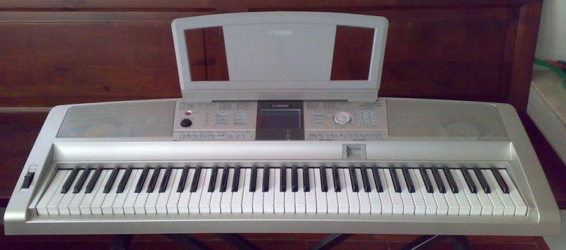 Yamaha DGX-305 del Bostro